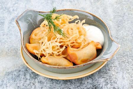 Жареные вареники с картофелем и грибами