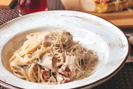 Паста Спагетти с цыпленком и шампиньонами