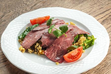 Стейк-салат с булгуром и печеными овощами