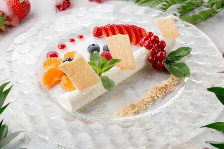 Чизкейк с лесными ягодами
