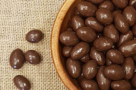 Драже миндаль в молочном шоколаде