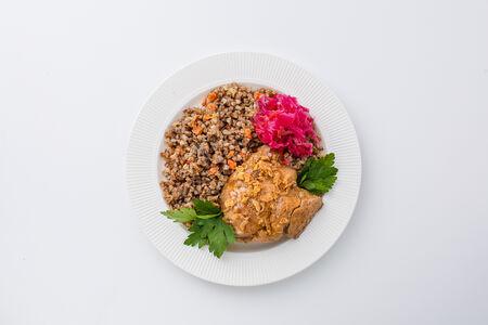 Курица в медово-горчичном соусе с гречкой