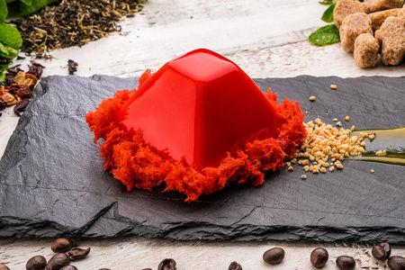 Пирожное муссовое Клубника-маракуйя