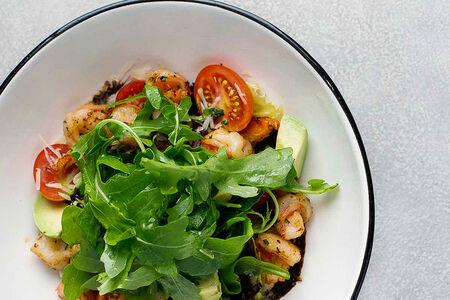 Салат с ароматными креветками