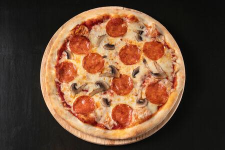 Пицца Пепперони с грибами