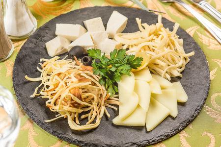 Коллекция домашних сыров