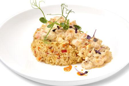 Тайский рис с морепродуктам и в сливочном соусе