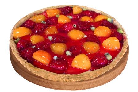 Тарт с клубникой и персиками