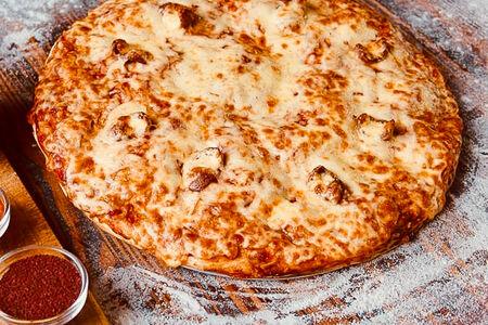 Пицца трехслойная Охотничья