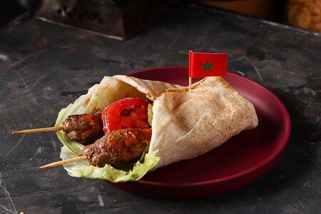 Кюфта-кебаб из телятины в пите по-мароккански