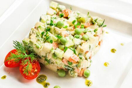 Салат сыроедный Оливье