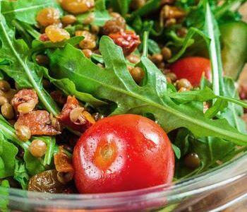 Салат с рукколой вялеными помидорами