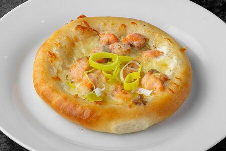 Мини-пицца с лососем