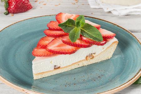 Пирог с сезонной ягодой