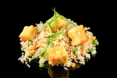 Жареный рис с домашним тофу