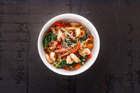 Салат Китайский теплый с креветками и беконом
