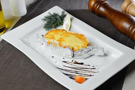 Семга запеченная с грибами и овощами под сыром моцарелла