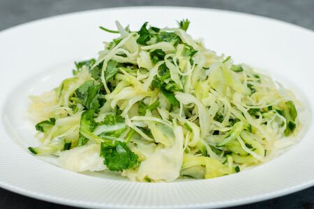 Салат из свежей капусты с кинзой