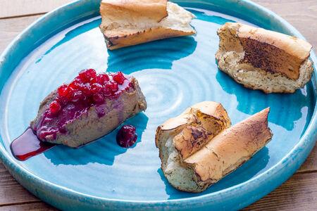 Паштет из печени индейки с жженым хлебом