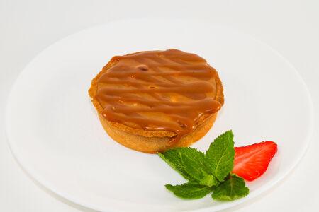 Карамельно-ореховая тарталетка