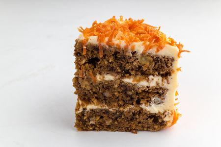 Порция Морковного торта