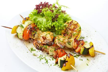 Шашлык из овощей и морепродуктов