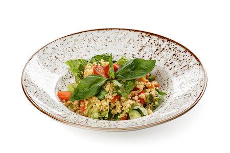 Салат с овощами и булгуром