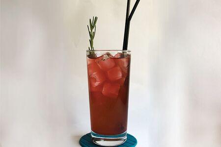Напиток Персик-розмарин