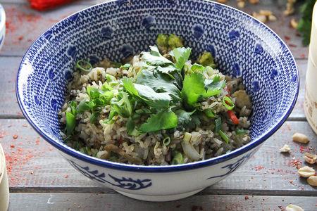 Жареный рис с грибами и овощами