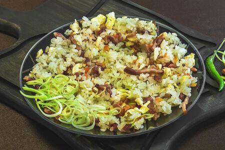 Рис с копчёностями