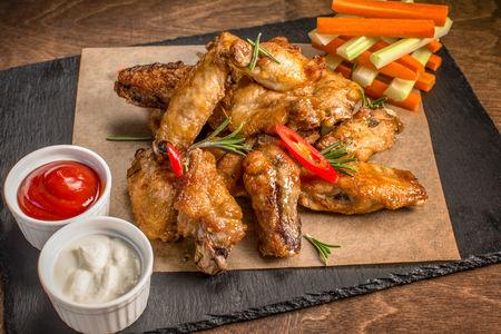 Куриные крылья в медово-горчичном соусе
