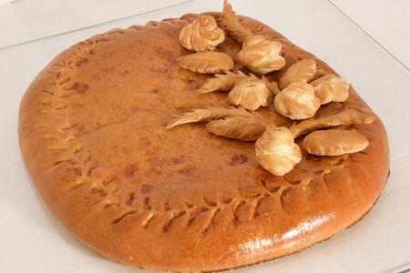 Пирог с горбушей и брокколи из сдобного теста