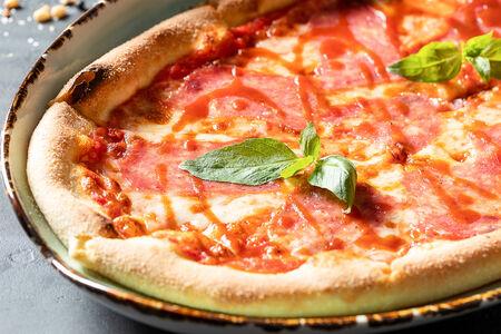 Пицца Салями барбекю