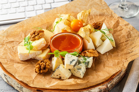 Ассорти из итальянских сыров