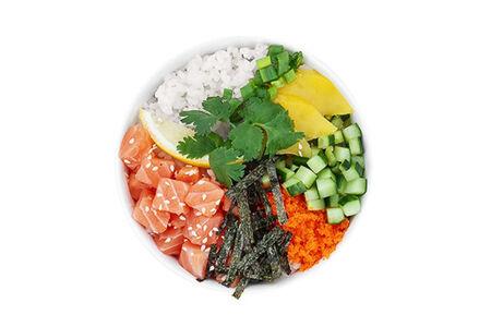 Поке с лососем с экзотическим соусом