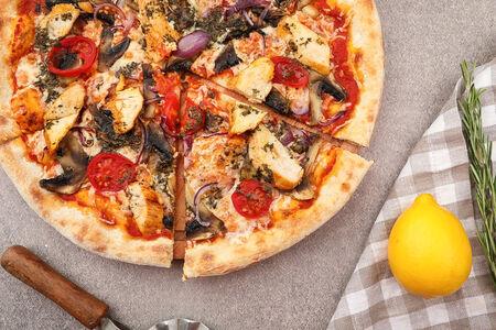 Пицца Поло ди песто