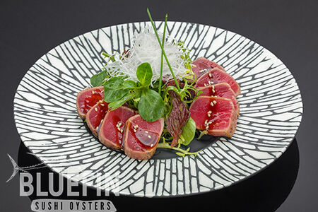 Салат сашими с татаки из тунца еллоуфин