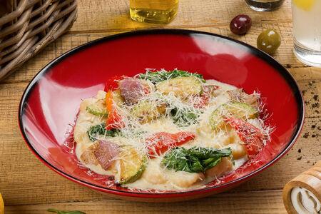 Картофельные ньокки с теплым овощным салатом