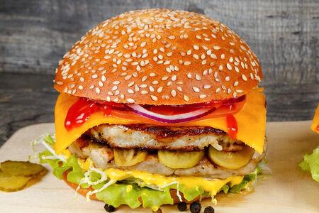 Бургер XL с двойной куриной котлетой