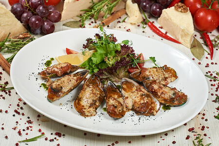 Мидии по-лигурийски с сыром Пармезан