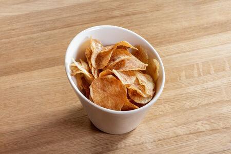 Картофельные чипсы собственного производства