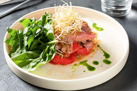 Салат Ростбиф с томатами