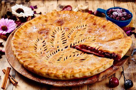 Сладкий ягодный пирог Лесная ягода