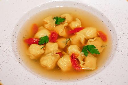 Куриный суп с тортеллини