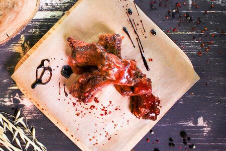 Свиные ребра глейз с соусом барбекю