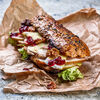 Фото к позиции меню Сэндвич с копченой индейкой, грушей и сыром бри