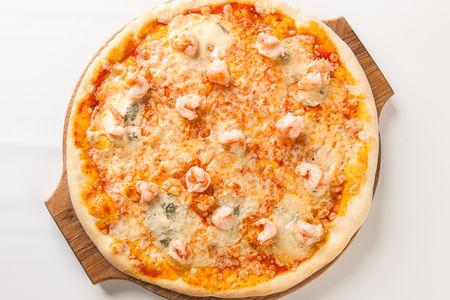Пицца с тигровыми креветками и сыром Дор Блю