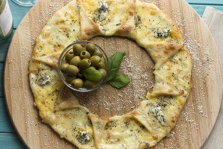 Пицца Кальцоне Четыре Сыра