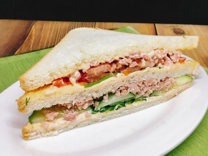 Сэндвич Токио с тунцом