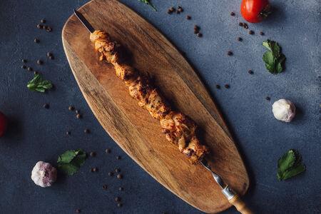 Шашлык из курицы в маринаде из аджики